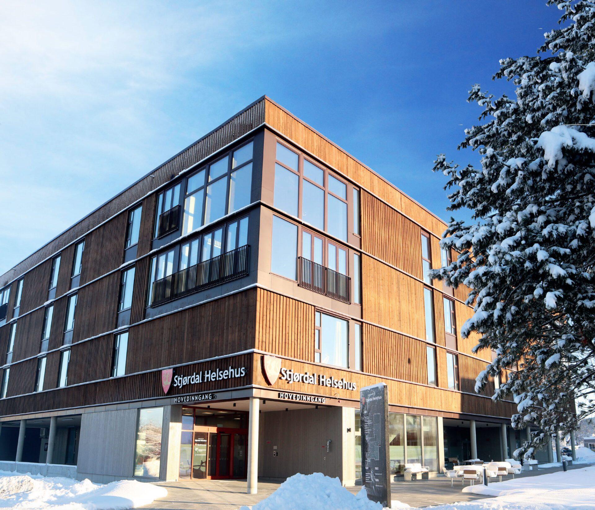 SSC levererar dörrar och glaspartier till Stjørdal Helsehus i Norge 1